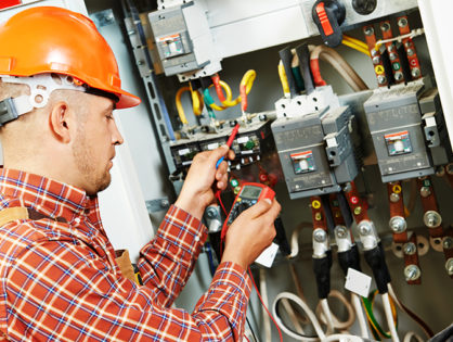 5 Good Reasons to Call an Electrician and Don't Get Electrocuted Yourself