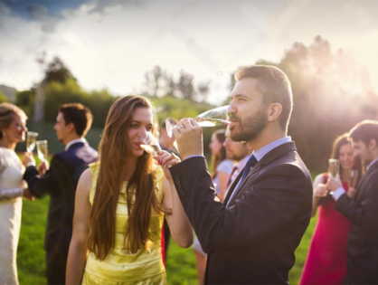 Report reveals alcohol consumption among wedding goers during the holidays