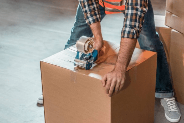 local-records-office-decluttering-move-cheap-tips (1)