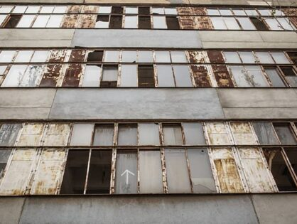 How to Buy Bank-Owned and Distressed Commercial Real Estate (VIDEO)